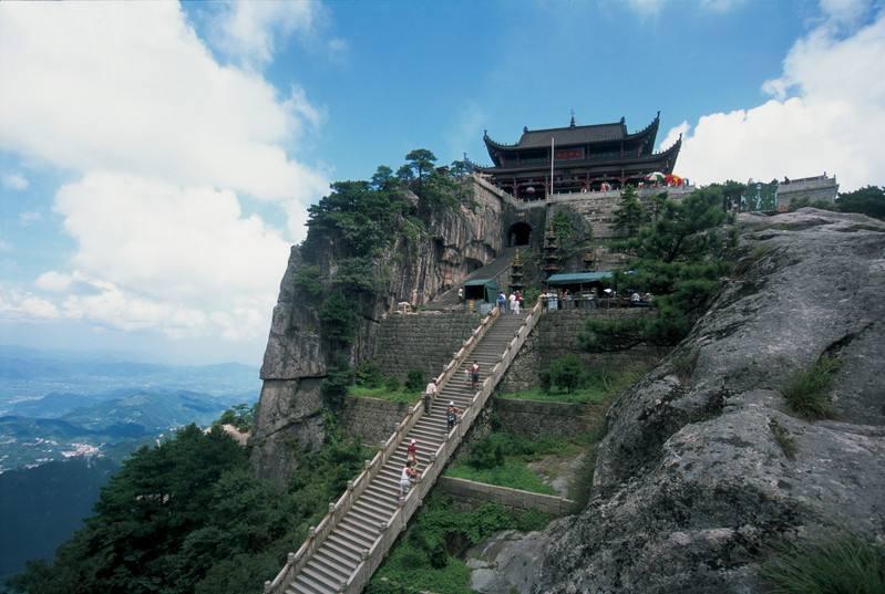 「安顺线路」济南市旅游局:出境游文不文明要写入合同